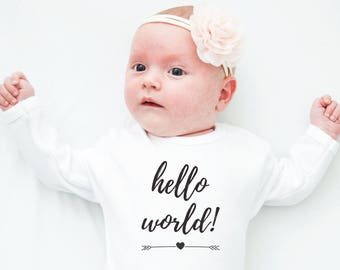 Hello World, Newborn Girl Coming Home Outfit, Baby Girl Shower Ideas, Baby Onesies, Baby Girl Clothes, Baby Shower Gift, Baby Bodysuit
