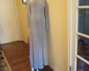 Vintage Silver Metallic Gown Slinky Size 12 Collarless Sexy Classy