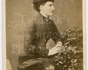 CDV  Photo Victorian Young Beautiful Woman Pretty Pleated Dress & Hat Profile Portrait - Dublin Ireland Carte de Visite Antique Photograph