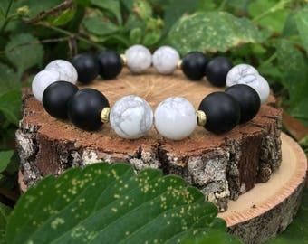 White Howlite + Matte Black Onyx Agate(10mm) Bracelet- beaded bracelet- gemstone bracelet- oliver grey jewelry - black and white- handmade