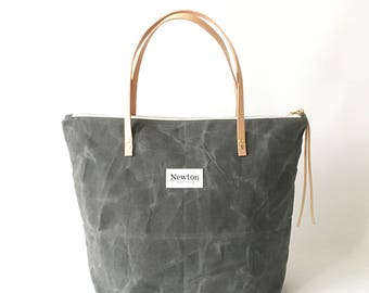 GRAPHITE / waxed canvas zip tote