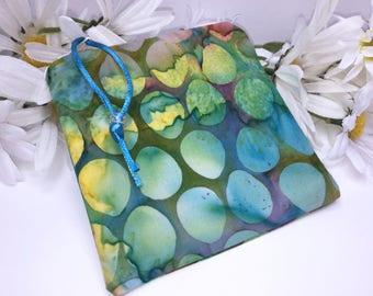 Batik Reusable Bag, Water Resistant Pouch, Menstrual Cup Bag, Quick Dry Design Wetbag, Reusable Feminine Products, PUL Lining