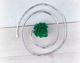 Shawl Pin Rose Spiral Penannular Mimimalistic Brooch Green Vintage Hammered Minimalist  Style Scarf Pin Outlander