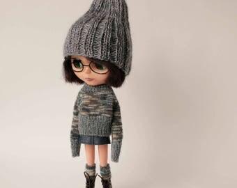 Gray Blythe doll set, Grey boho hat, Gray Blythe sweater, Blue leather skirt for blythe doll, Many colored knit blue gray beige high socks