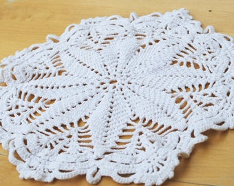 Vintage circle Handmade crochet doily tablecloth from Scandinavia, Vintage style Hand knitted lace Crochet | kitchen decor | table linen