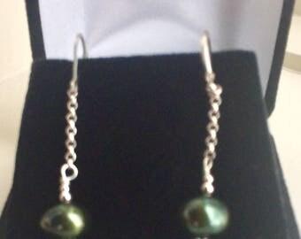 Sterling Silver Green Pearl Drop Leverback Earring