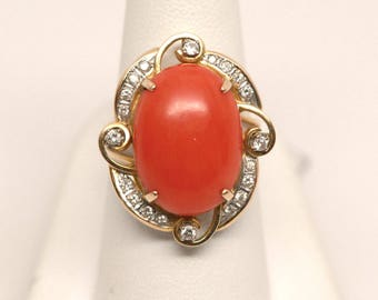 Vintage 14k Yellow Gold Oval Coral Cabochon Gemstone & Round Diamond Ring