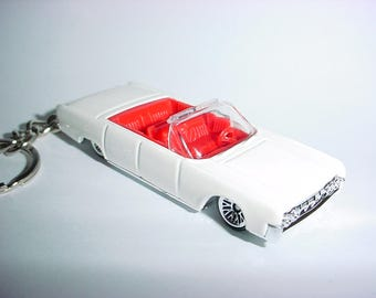 3D 1964 Lincoln Continental custom keychain by Brian Thornton keyring key chain finished in white trim metal body 64