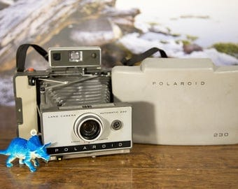 Polaroid Land Camera  230 - Film Tested. #P151
