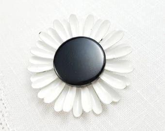 Vintage White Flower Enamel Daisy Black Center Flower Brooch