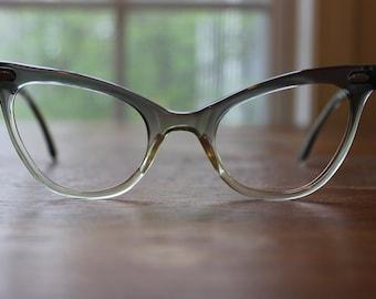 Vintage Grey White 70s/80s Frames Retro Eyeglasses Eyewear