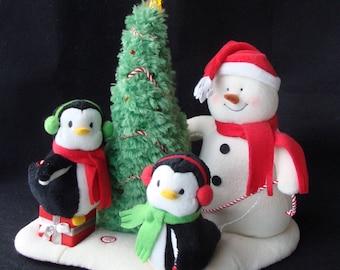 Plush Animated Very Merry Trio Rockin Around Christmas Tree WORKS