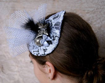 fascinator small hat black and white cocktail wedding ceremony