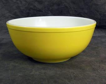 Pyrex Lemon Yellow Bowl Mid Century Glass Bowl - 4 Qt - Vintage