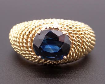 Gorgeous Tiffany & Co 18k Yellow Gold 1.75ct Blue Oval Cut Sapphire Solitaire Band Ring Size 6