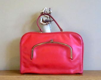 Bonnie Cashin Coach Attache' In Red Leather With Brass Kisslock- Made In New York City- Very Rare