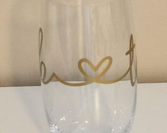 Monogrammed initial glass, wine glass