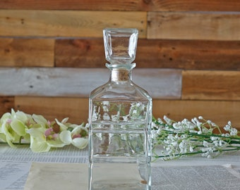 Vintage liquor decanter Whisky Scotch Decanter Clear glass carafe Mid Century Modern Barware