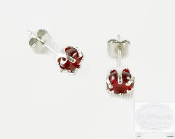 Red and silver earrings in red bohemian glass, worked for many reflections - An 123Pierres jewel
