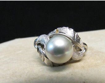 On Sale Vintage Estate Mid Century Silver with Rhodium Overlay High Luster Gray Pearl Ring