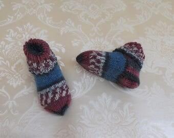 Baby socks, handknit, bordeaux, 9 cm