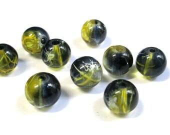 10 black, yellow translucent 10mm beads