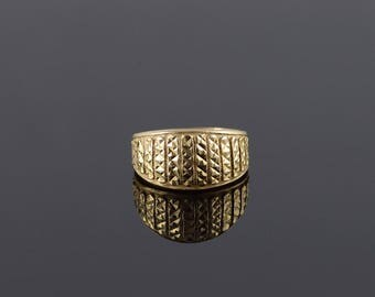 14k Studded Texture Bar Design Band Ring Gold