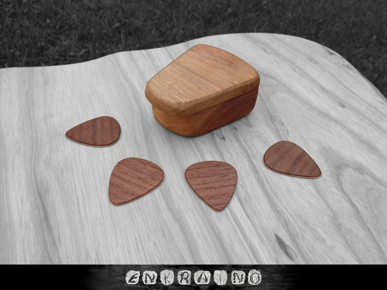 guitar pick holder guitar pick box wooden guitar pick guitar. Black Bedroom Furniture Sets. Home Design Ideas