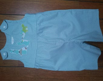 Overalls short clipped, green with small animals water cretonne embroidered
