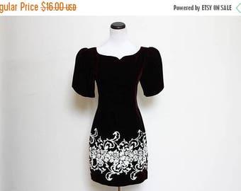 25% OFF VTG 80s and 90s Black Velvet White Floral Baroque Glitter Party Mini Dress S/M
