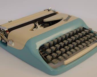 Typewriter Consul portable typewriter  - vintage
