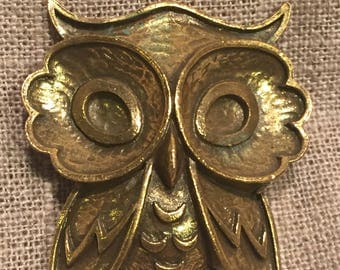 Vintage Coro Owl brooch - great vintage antique gold tone owl by Coro- rare look for a Coro brooch!