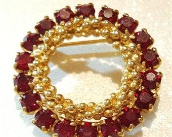 ON SALE : Beautiful Vintage Red Rhinestone Goldtone Pin Brooch