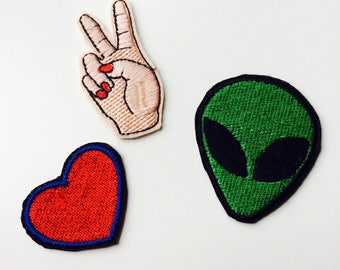 We Come In Peace | Patches | Patch | Set | Hipster | Trendy | Emo | DIY | Fashion | Sassy | Cute | Alien | Heart | Peace | Retro