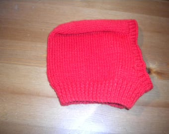 good hand-knitted cowl