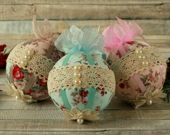 Shabby chic gifts, Christmas ornaments handmade, lace ornaments, Christmas decorations handmade, Shabby chic tree ornaments, fabric baubles