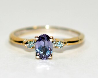 40% OFF SALE with free resizing!! Magical .60tcw Color Changing Sapphire & Diamond 14kt Yellow Gold Ring