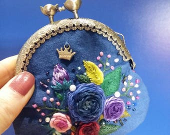 All Handmade handembroidered clasp coin purse.
