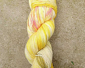 Christmas, hand dyed BFL high twist fingering yarn