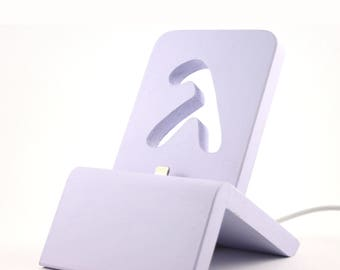 Art Deco iPhone Dock (Vintage lilac) for iPhones 5/5S/6/6S/Plus/SE/7 with/without cases / Lightning Dock