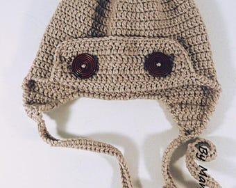 Bonnet aviateur crocheté main (3-6  mois) en fil doux alpaga beige et ses deux boutons de bois foncé