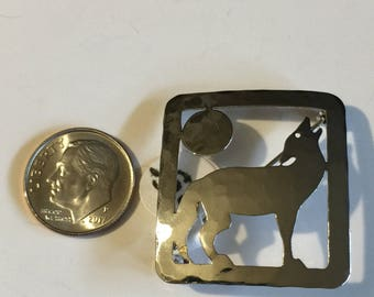 """Vintage sterling silver howling wolf pin signed """"Wild Byrd"""" 3.5 g"""