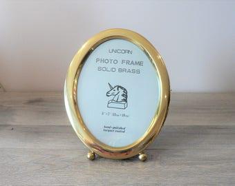 Vintage 80's 5 x 7 Oval Brass Photo Frame