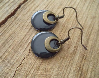 Bronze earrings with pendant and grey sequins bronze