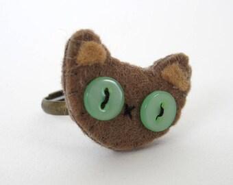 Beige cat with green eyes in felt, Cute cat's head ring in felt, Animal ring felt for child