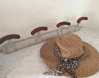 Fashion bamboo coat rack