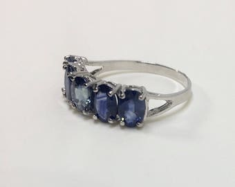 10kt White Gold Natural Sapphire (2.50 ct) Ring, Appraised 895 USD