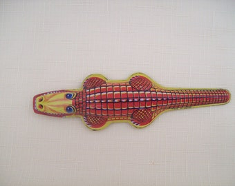 Alligator Tin Litho Clip Toy Made In Japan