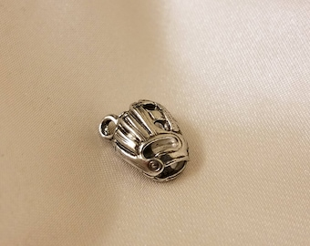3D 18x23mm  35 pc BaseBall Glove Charm