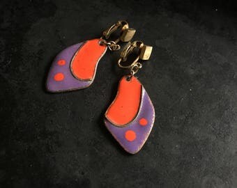 Purple and red vintage enamel clip on earrings. Well made souvenir from the 70's!